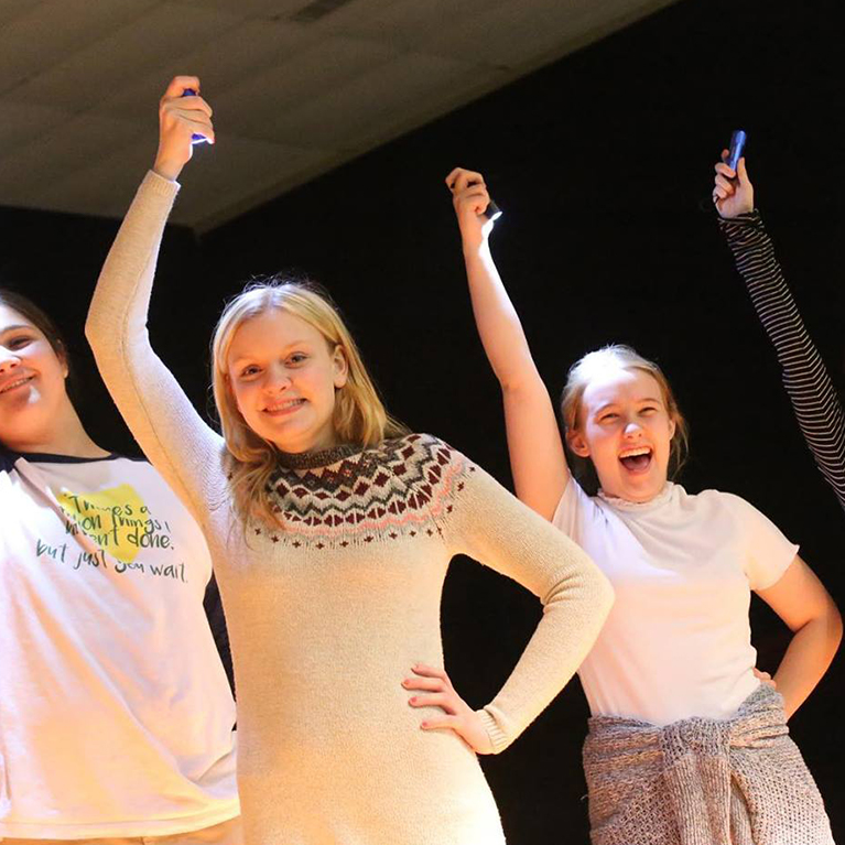 Chase Collegiate students rehearse for Theater.